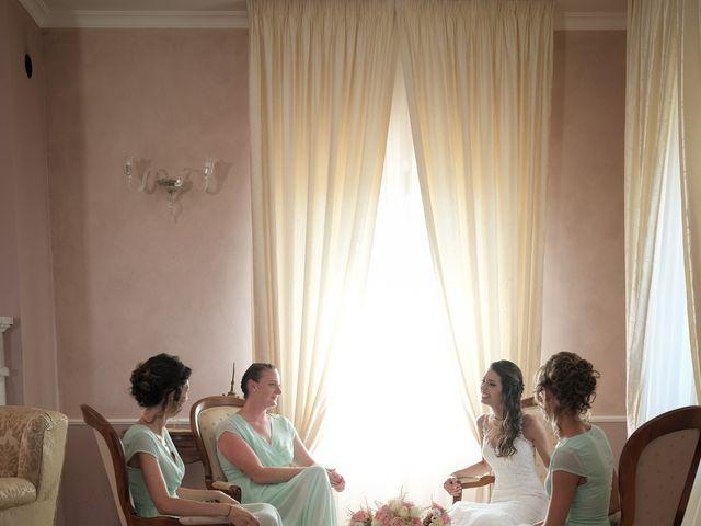 Il matrimonio di Nicola e Angela a Cirò Marina, Crotone 18