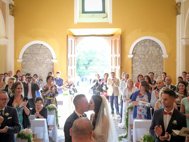 Il matrimonio di Nicola e Angela a Cirò Marina, Crotone 24