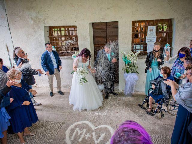 Il matrimonio di Maurizio e Valentina a Momo, Novara 23