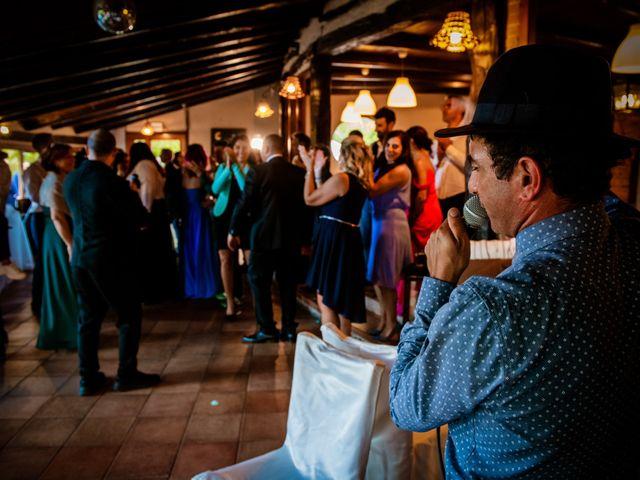 Il matrimonio di Maurizio e Valentina a Momo, Novara 34