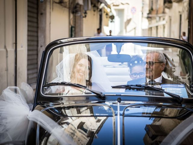 Il matrimonio di Ivan e Elisabeth a Lecce, Lecce 23