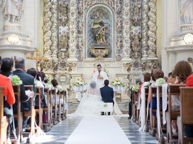 Il matrimonio di Ivan e Elisabeth a Lecce, Lecce 28