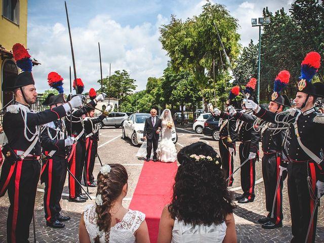 Il matrimonio di Vincenzo e Pina a Pozzuoli, Napoli 28