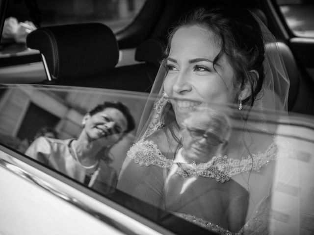 Il matrimonio di Andrea e Simona a Vergiate, Varese 21