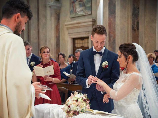 Il matrimonio di Andrea e Simona a Vergiate, Varese 25