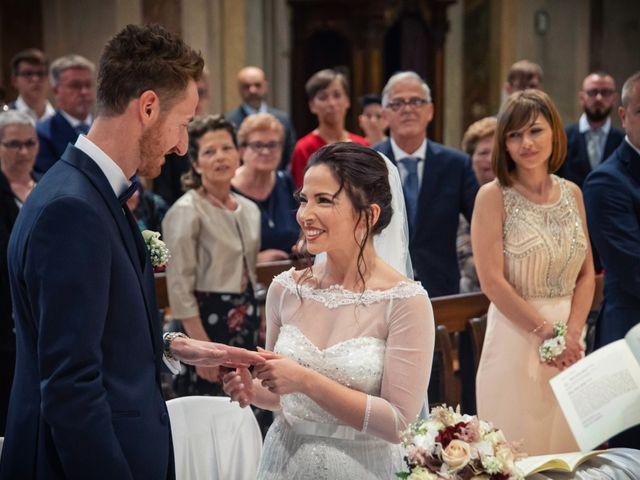 Il matrimonio di Andrea e Simona a Vergiate, Varese 26