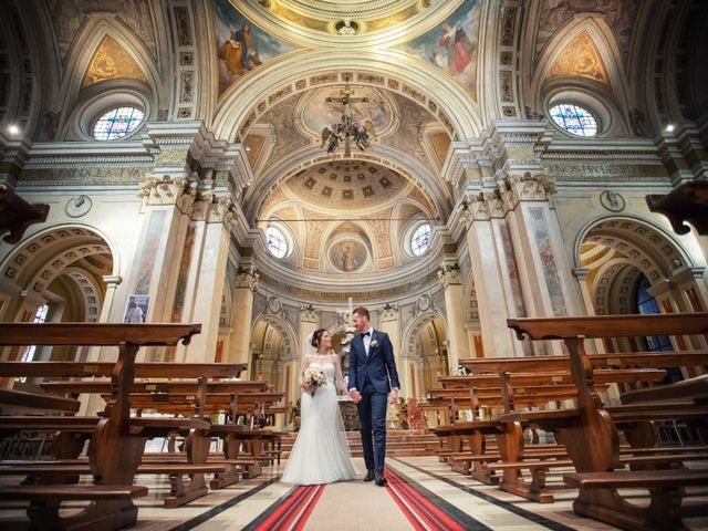 Il matrimonio di Andrea e Simona a Vergiate, Varese 29
