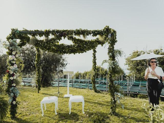 Il matrimonio di Victor e Simona a Sorrento, Napoli 17
