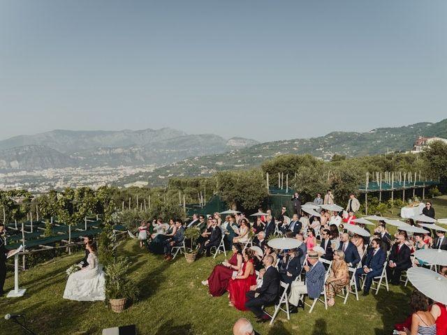 Il matrimonio di Victor e Simona a Sorrento, Napoli 20