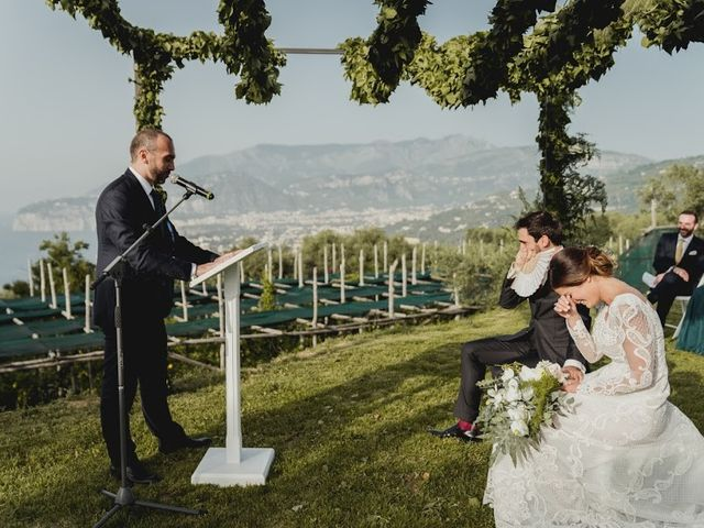 Il matrimonio di Victor e Simona a Sorrento, Napoli 21