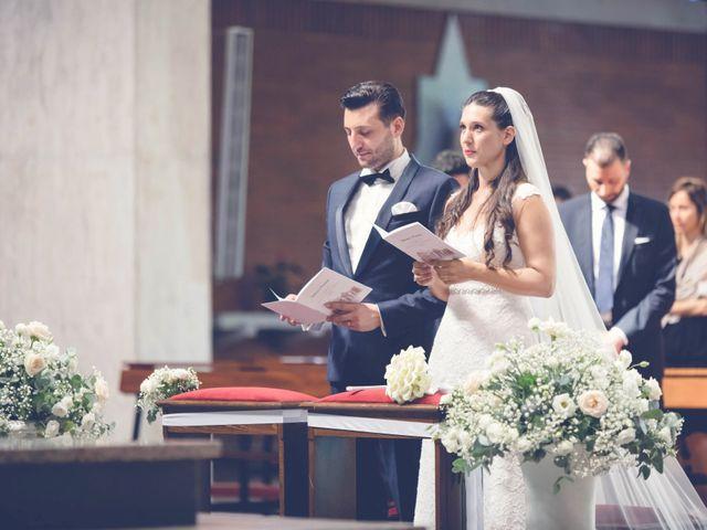 Il matrimonio di Fabrizio e Kristina a Monvalle, Varese 36
