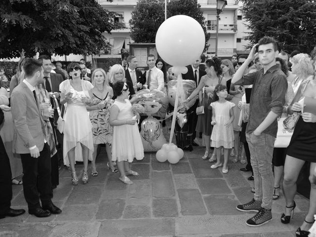 Il matrimonio di Davide e Elma a Pieve a Nievole, Pistoia 40