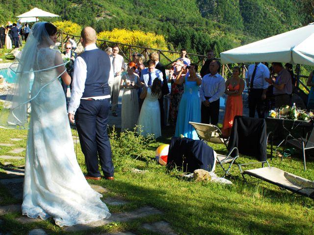 Il matrimonio di Michael e Claire a Poppi, Arezzo 14
