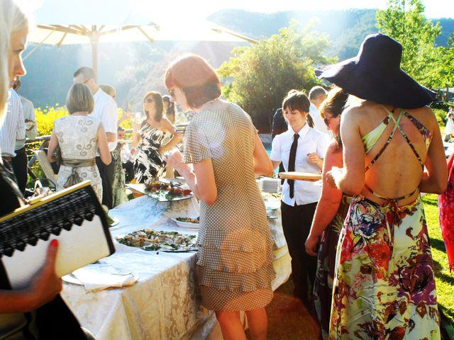 Il matrimonio di Michael e Claire a Poppi, Arezzo 15