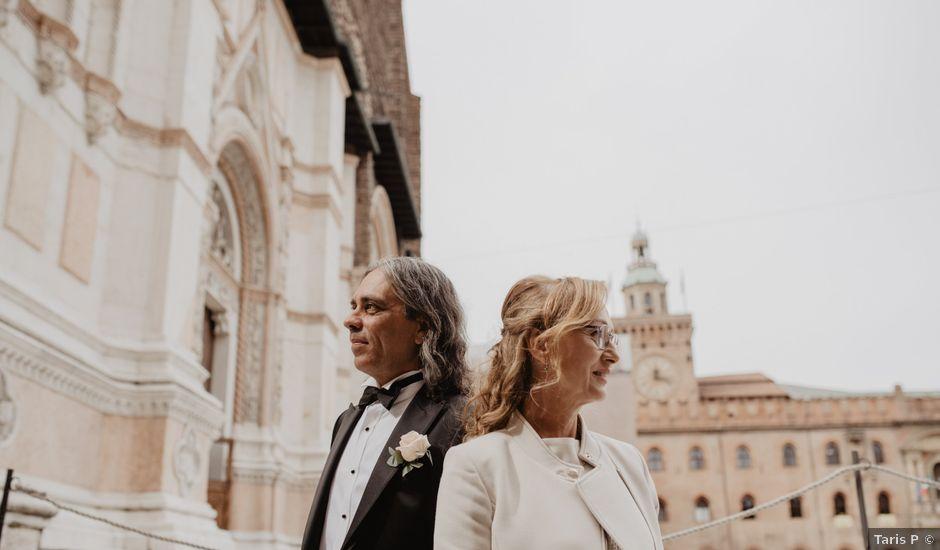 Il matrimonio di Eros e Maura a Bologna, Bologna