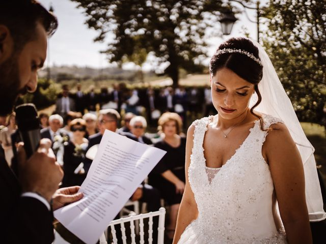 Il matrimonio di Agon e Linda a Gubbio, Perugia 17