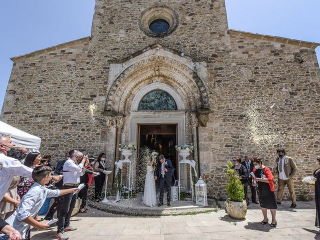Il matrimonio di Emmanuel e Maria a Pisticci, Matera 22
