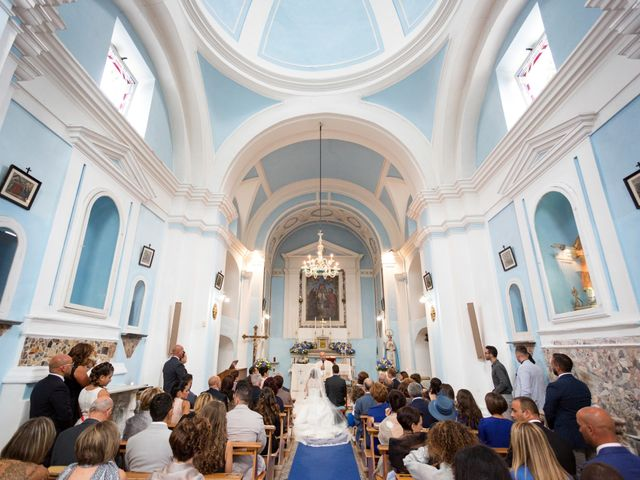 Il matrimonio di Giuseppe e Corinna a Bacoli, Napoli 25