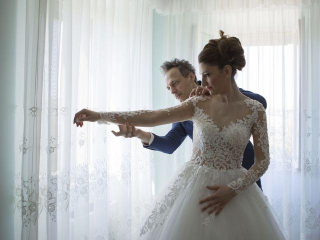 Il matrimonio di Marco e Erica a Torre San Patrizio, Fermo 11