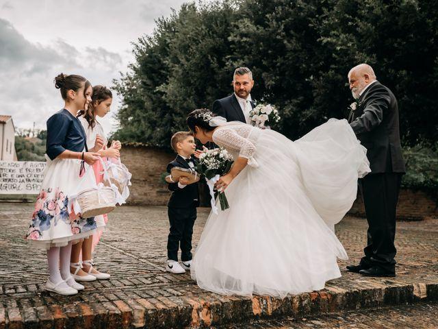 Il matrimonio di Ambra e Lorenzo a San Lorenzo in Campo, Pesaro - Urbino 44