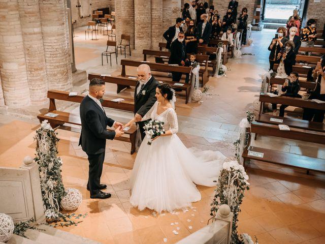 Il matrimonio di Ambra e Lorenzo a San Lorenzo in Campo, Pesaro - Urbino 46
