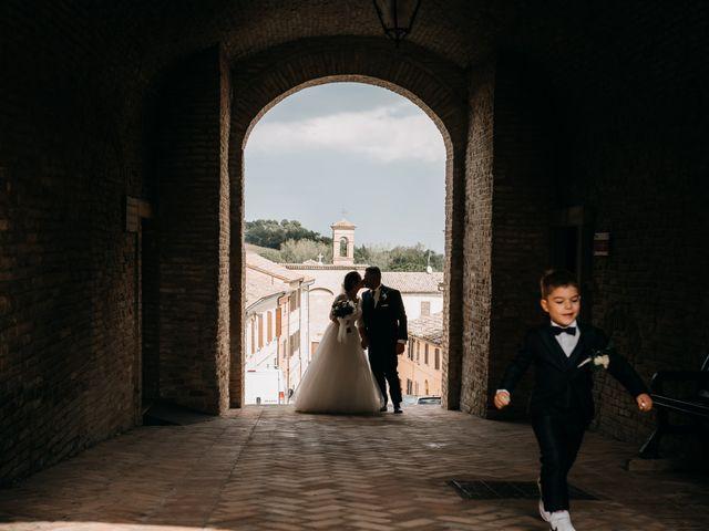 Il matrimonio di Ambra e Lorenzo a San Lorenzo in Campo, Pesaro - Urbino 57