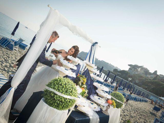 Il matrimonio di Luca e Rossella a Celle Ligure, Savona 44
