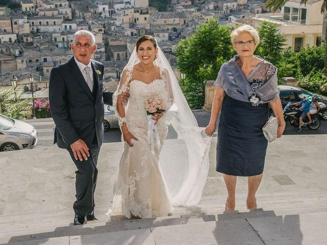Il matrimonio di Salvo e Valentina a Modica, Ragusa 22