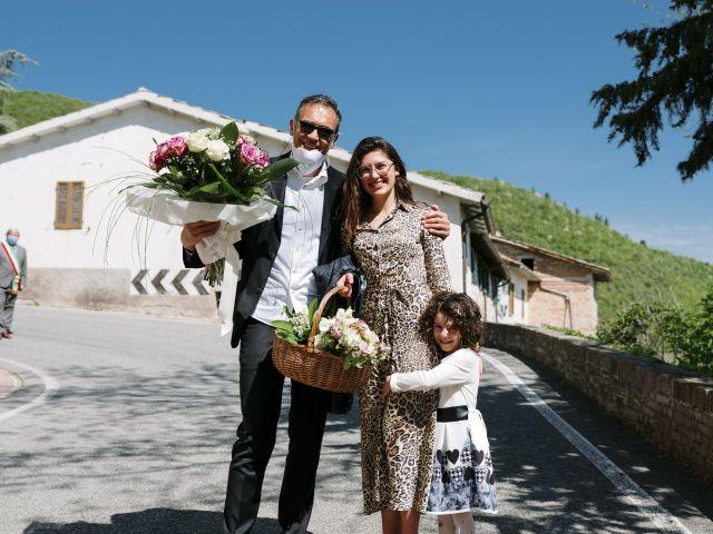 Il matrimonio di Luca e Silvia a Serrapetrona, Macerata 10