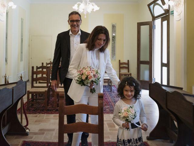 Il matrimonio di Luca e Silvia a Serrapetrona, Macerata 14