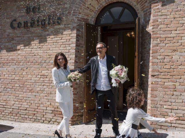 Il matrimonio di Luca e Silvia a Serrapetrona, Macerata 36