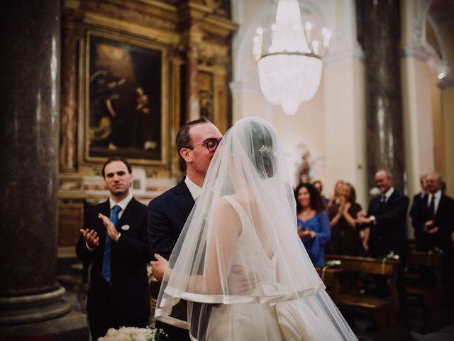 Il matrimonio di Luca e Donatella a Napoli, Napoli 27