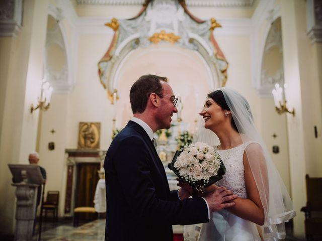 Il matrimonio di Luca e Donatella a Napoli, Napoli 29