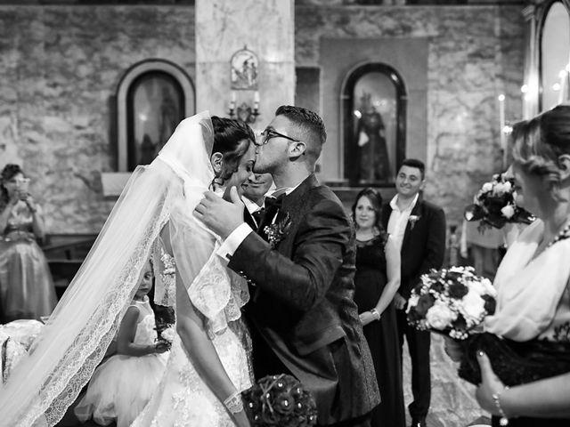 Il matrimonio di Francesco e Miriana a Cirò Marina, Crotone 11