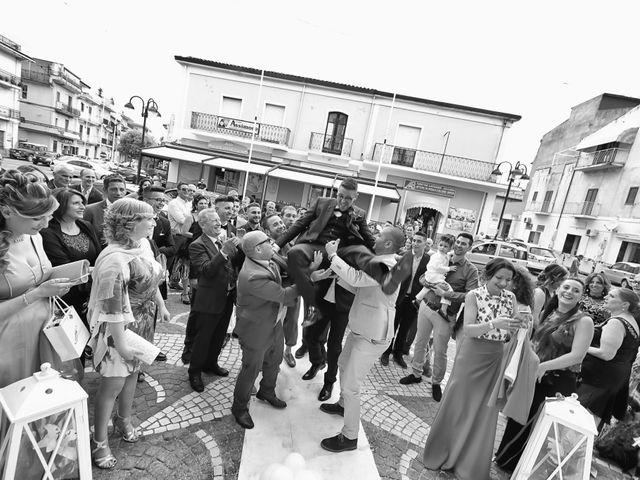 Il matrimonio di Francesco e Miriana a Cirò Marina, Crotone 15