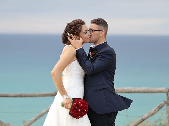 Il matrimonio di Francesco e Miriana a Cirò Marina, Crotone 20