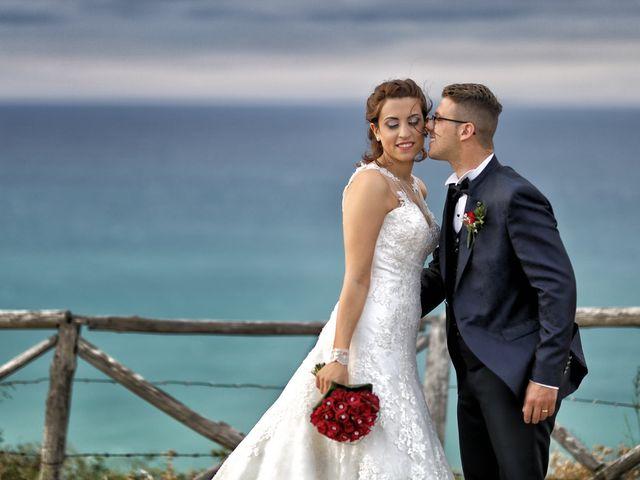 Il matrimonio di Francesco e Miriana a Cirò Marina, Crotone 28