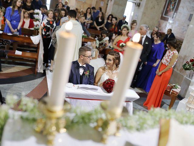Il matrimonio di Francesco e Miriana a Cirò Marina, Crotone 13