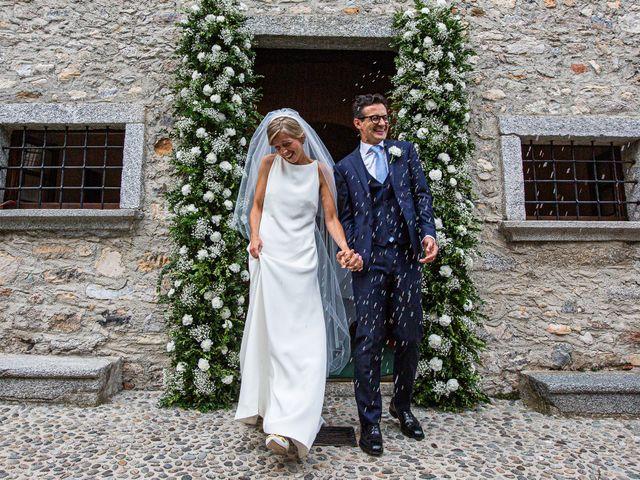 Il matrimonio di Lorenzo e Francesca a Albavilla, Como 32