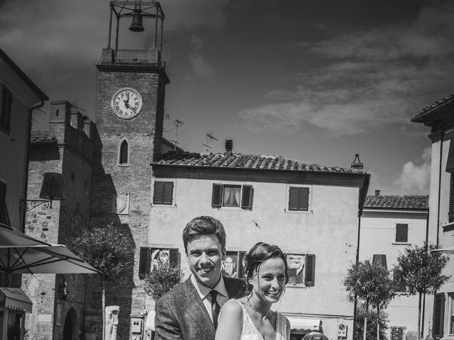 Il matrimonio di Julian e Sabrina a Lajatico, Pisa 16