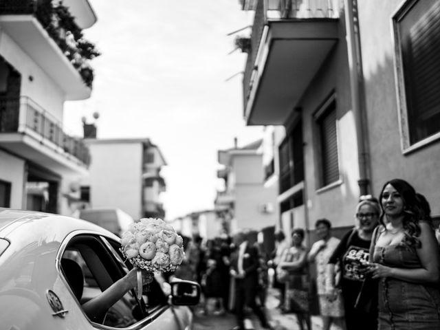 Il matrimonio di Veronica e Tammaro a Pomigliano d'Arco, Napoli 38