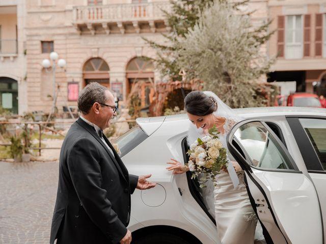 Il matrimonio di Mario e Felisia a Atri, Teramo 21