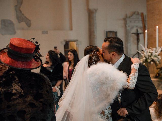 Il matrimonio di Mario e Felisia a Atri, Teramo 24