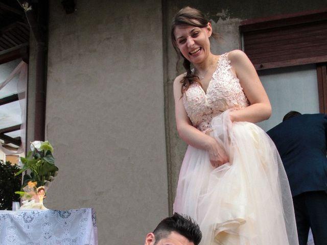 Il matrimonio di Alessio  e Luana  a Mariano Comense, Como 14