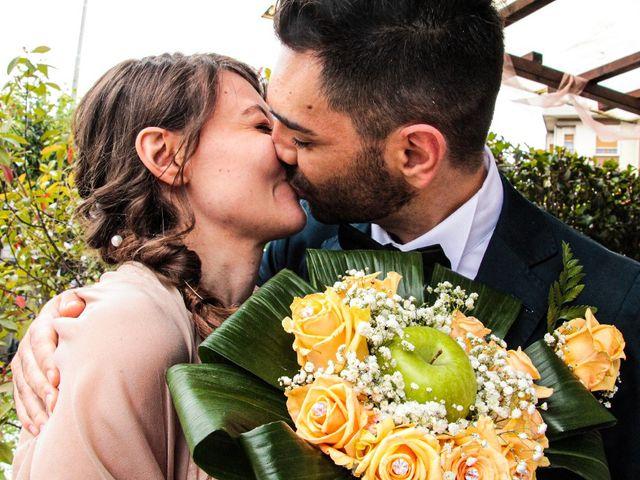 Il matrimonio di Alessio  e Luana  a Mariano Comense, Como 21