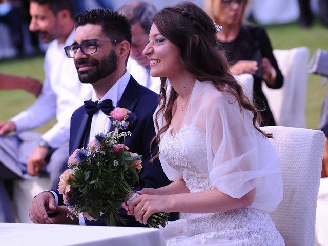 Il matrimonio di Alessio  e Luana  a Mariano Comense, Como 35