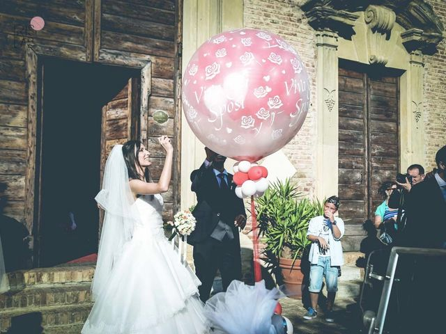 Il matrimonio di Alessandro e Natascia a Mondolfo, Pesaro - Urbino 32