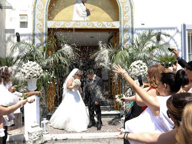 Il matrimonio di Carmen e Francesco a Pozzuoli, Napoli 32