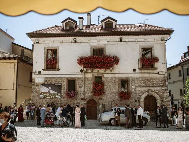 Il matrimonio di Alessio e Antonella a Pescasseroli, L'Aquila 39