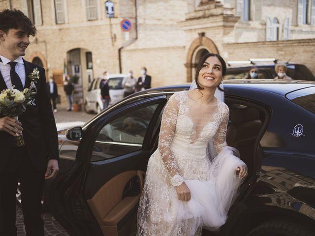 Il matrimonio di Leo e Letizia a Mogliano, Macerata 12